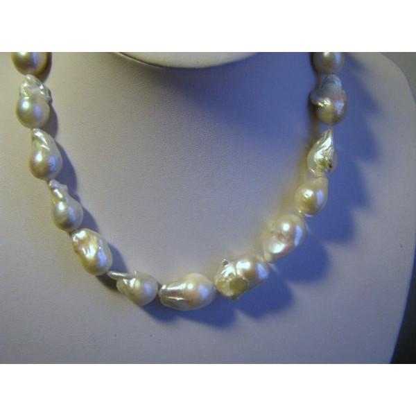 collier perles de culture baroques bracelets perles de culture. Black Bedroom Furniture Sets. Home Design Ideas
