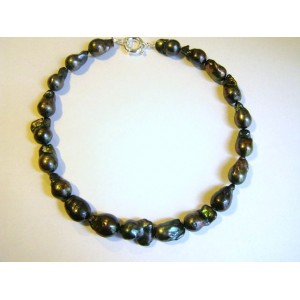 Collier raz de cou perles de culture baroques noires