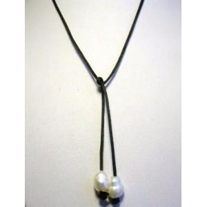 Collier raz de cou perles rondes baroques sur lien satin noir
