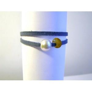 bracelet lien bleu,perle grise .