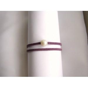 Bracelet 1 perle de culture baroque bouton blanche lien double mauve             mauve