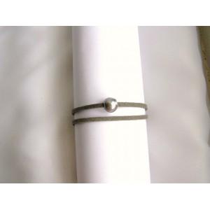 Bracelet 1 perle de culture baroque bouton grise lien double gris