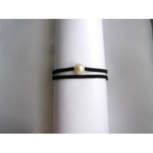 Bracelet lien double noir à nouer perle blanche