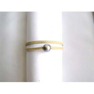 Bracelet lien double écru perle grise .