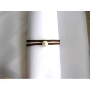Bracelet chocolat perle de culture blanche lien double